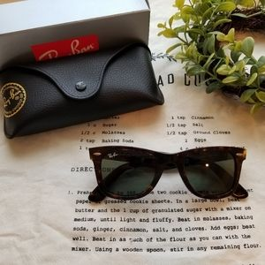 NWT Ray-Ban Wayfare Dark tortoise sunglasses RB214